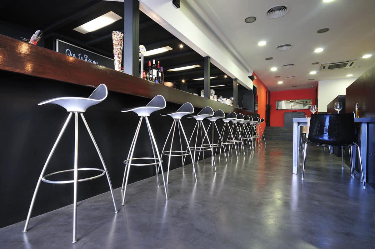 Rustic-microcement-restaurant