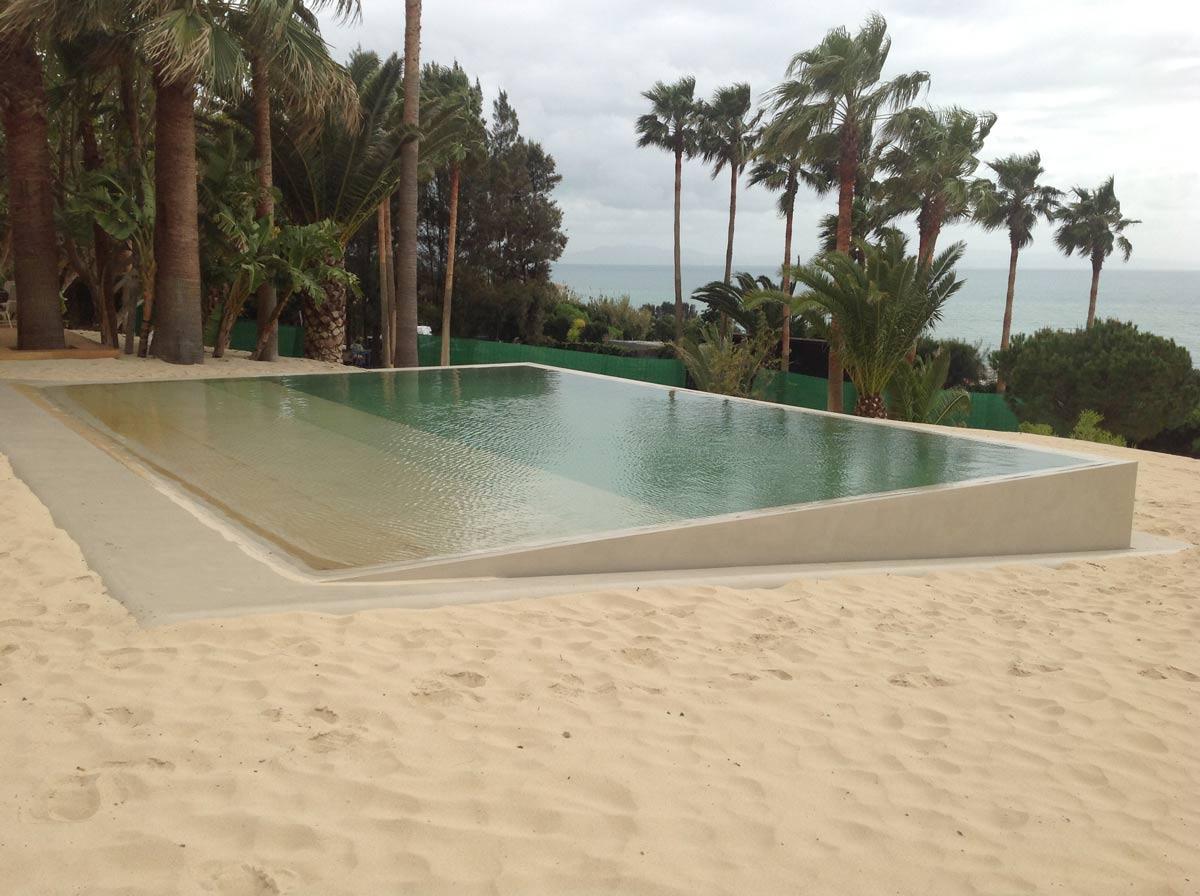 tswim-microcement-swimming-pools-grip